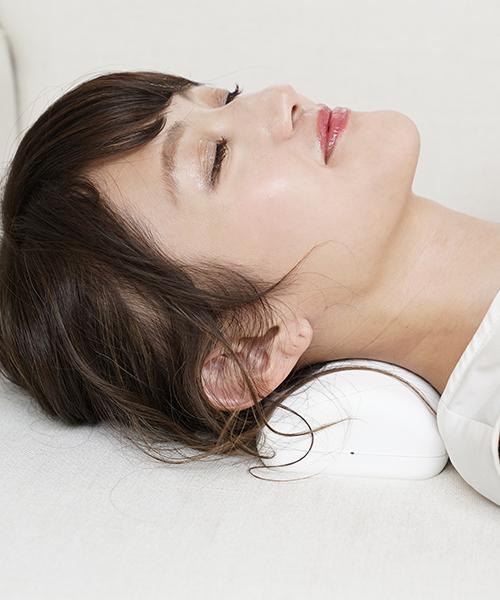 【送料無料】 頸椎牽引ストレッチ首肩すっきりピロー