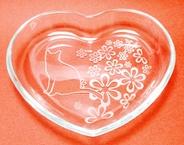 ハート型ガラスプレート「花と猫」 ハンドメイド名入れOK!