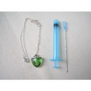 アロマ用ペンダント(中身なし)女性用  チエン:銀製 緑色ハート 注入器1セット